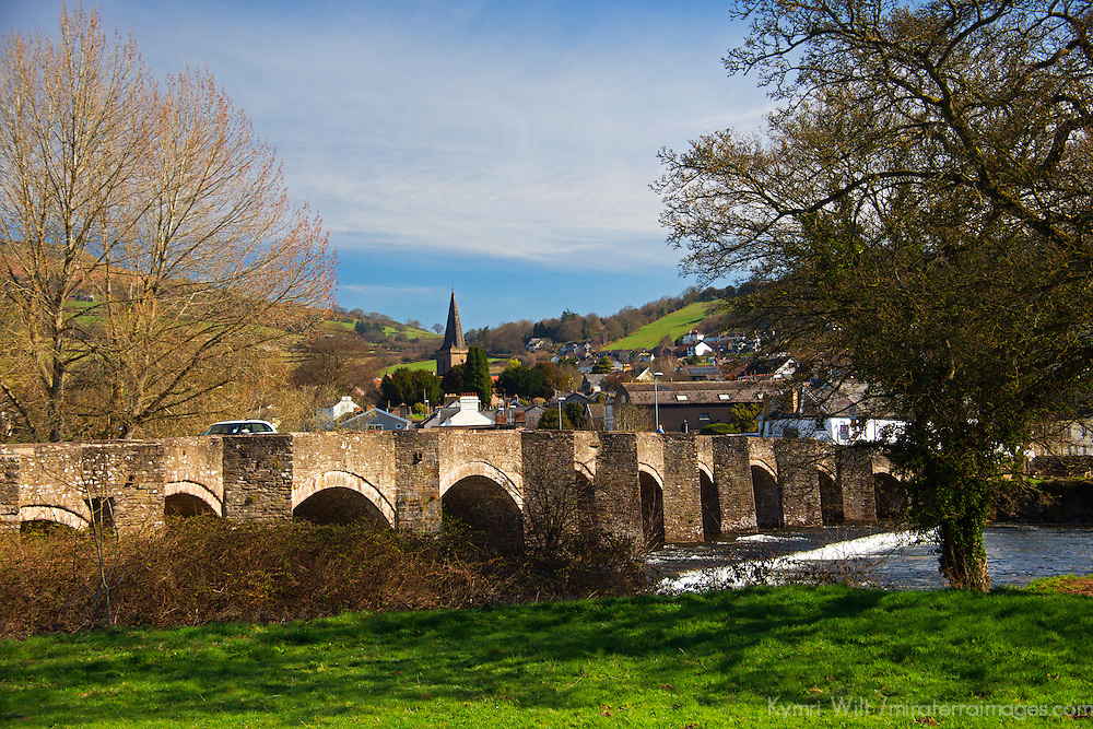Europe, United Kingdom, Wales, Crickhowell. Stone bridge of Crickhowell.