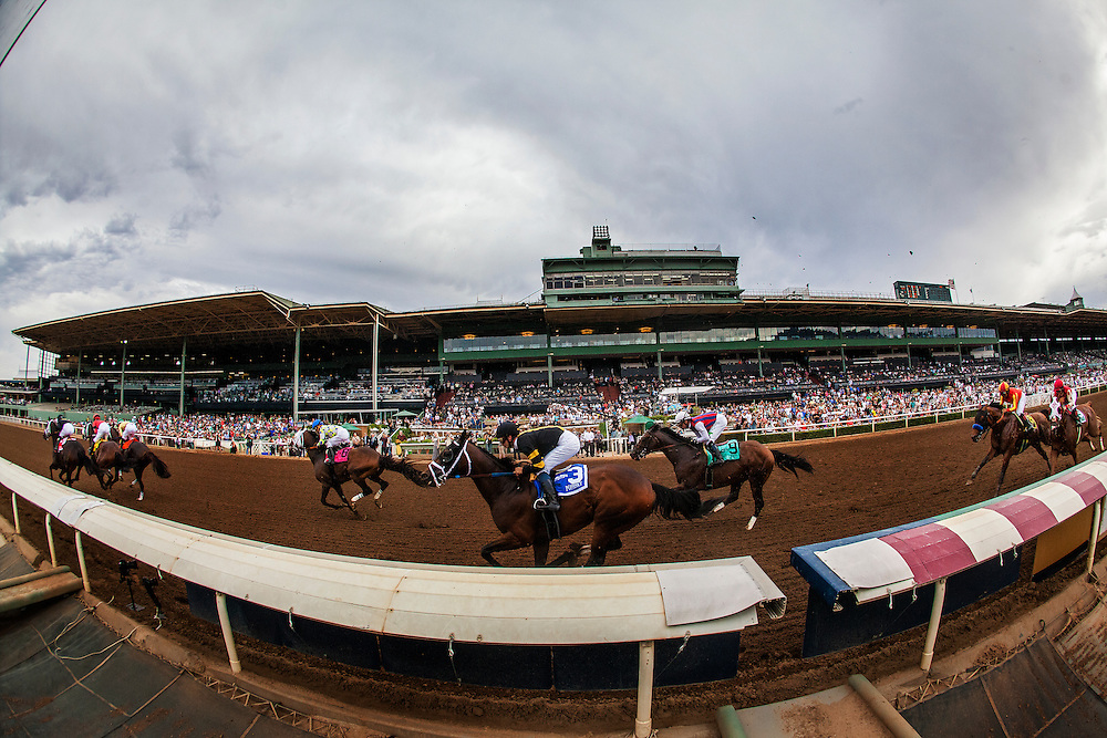 June 27 2015: The Field for the Santa Anita Gold Cup races for early position at Santa Anita Park in Arcadia CA. Alex Evers/ESW/CSM