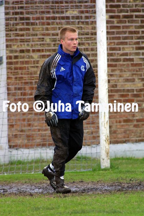 15.06.2001, Casa Amarilla (CA Boca Juniors), Buenos Aires, Argentina. FIFA Youth World Cup, Finland training session. Tatu Niskanen..©JUHA TAMMINEN