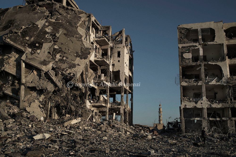 Gaza Strip, Beit Lahia: Destroyed buildings and a mosque in Beit Lahia, located less than two kilometres from the northern crossing point between Israel and the Gaza Strip on August 2, 2014. ALESSIO ROMENZI