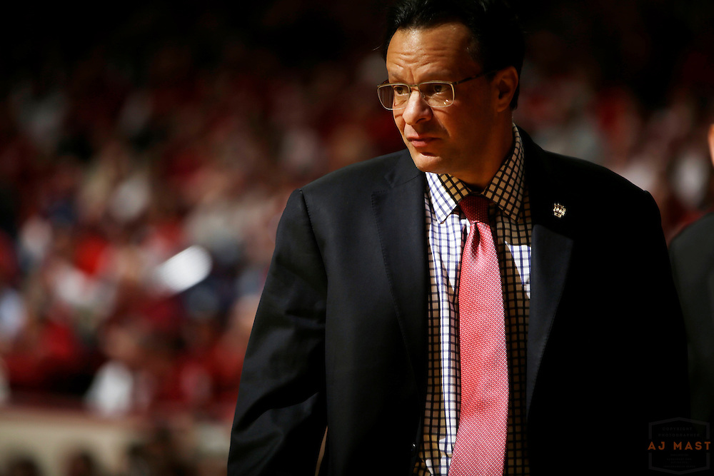 Indiana head coach Tom Crean as Ohio State played Indiana in an NCCA college basketball game in Bloomington, Ind., Saturday, Jan. 10, 2015. (AJ Mast)