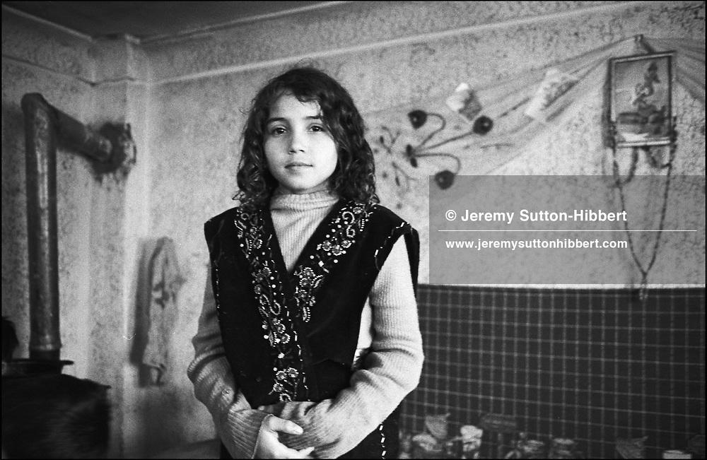 SPFIA MIHAI, SINTESTI, ROMANIA. JANUARY 1994..©JEREMY SUTTON-HIBBERT 2000..TEL. +44-141-649-2912..TEL. +44-7831-138817.