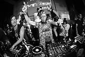 GDYGUMDROPS, Fa'Vela Punk, Aliens Talk Marriage @ Hu'u bar, Bali, 11/01/13