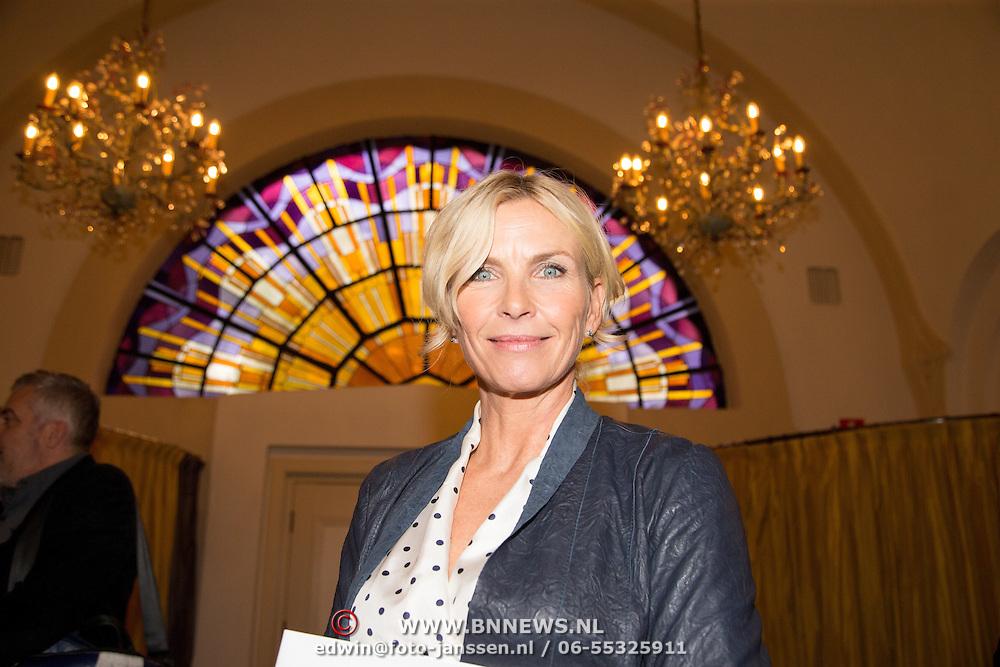 NLD/Heemstede/20151116 - Boekpresentatie De Zin van het Leven, Anita Witzier