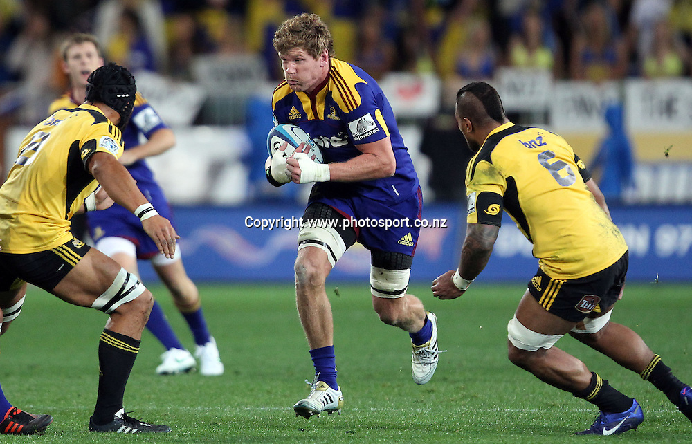 Adam Thomson on the charge for the Highlanders.<br /> Investec Super Rugby - Highlanders v Hurricanes, 12 May 2012, Forsyth Barr Stadium, Dunedin, New Zealand.<br /> Photo: Rob Jefferies / photosport.co.nz