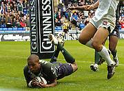 Reading, ENGLAND, Exiles Delon Armitage, dives in for his second, first half try during the London Irish vs Saracens, Guinness Premiership Rugby, at the, Madejski Stadium, 06.05.2006, © Peter Spurrier/Intersport-images.com,  / Mobile +44 [0] 7973 819 551 / email images@intersport-images.com.