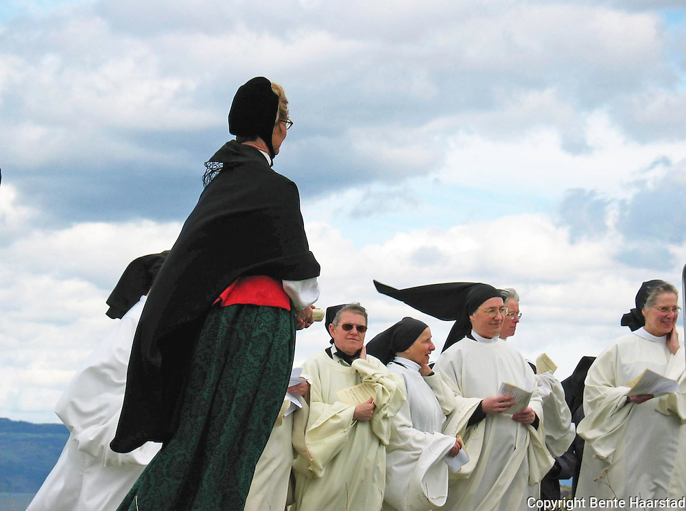 The site for the new monastery, Tautra mariakloster, is blessed before the construction of the convent start. Queen Sonja of Norway and bishops from many countries and churches were present, in May 2003.