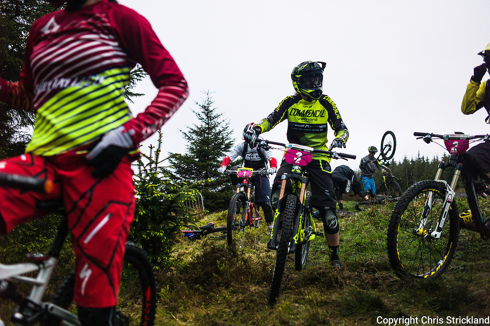 Glentress, Peebles, Scotland, UK. 31st May 2015. The top ranking EWS women  at the start of Stage 5 at The Enduro World Series Round 3 taking place on the iconic 7Stanes trails during Tweedlove Festival.