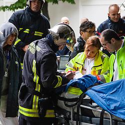 Exercice de gestion de crise Euro 2016 organis&eacute; au Stade de France par la Pr&eacute;fecture de Police de Paris avec les policiers du RAID et de la DOPC et les secouristes de la BSPP et du SAMU 93. <br /> Mai 2016 / Paris (75) / FRANCE<br /> Voir le reportage complet (65 photos) http://www.asterpictures.com/gallery/2016-05-Exercice-Euro-2016-Complet/G0000gyn0TRP9s28/C0000yuz5WpdBLSQ