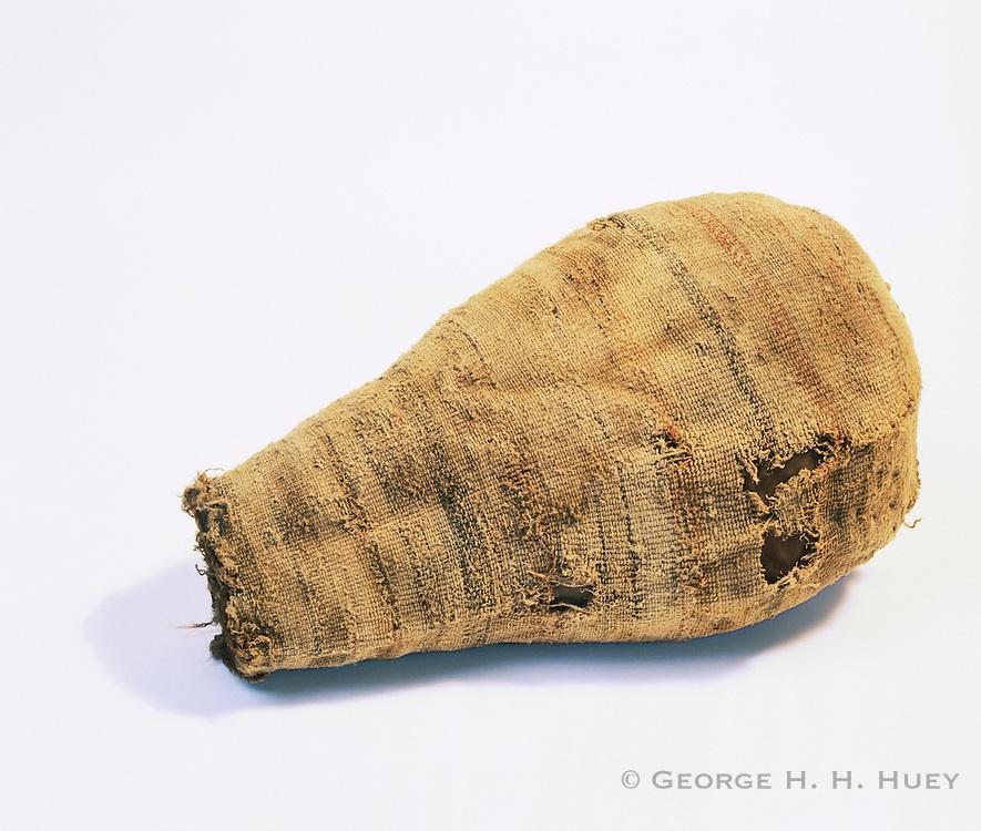 0405-1118 ~ Copyright: George H. H. Huey ~ Prehistoric Anasazi culture [aka Puebloan culture] decorated, yucca fiber bag.  Period: Basketmaker II [1000 B.C. - 500 A.D.]  Mesa Verde National Park, Colorado.