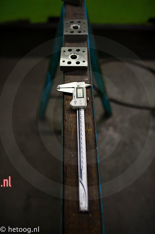 Nederland, Lochem,01feb2011 stilleven met een schuifmaat bij werkbankfabrikant SAFAN