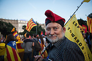 People claim the republic after abdication of King Juan Carlos I. Many of them claim the independence of Catalonia with flags and other catalan symbols. / More than 5 thousands of people in Barcelona city took the Catalonia Square on Monday evening to demand a referendum on monarchy or republic, after King Juan Carlos announced his plans to abdicate and hand over power to his son Felipe. In Catalonia many people see the king as part of Spain's problems of the economic crisis. As the political analysts have linked the abdication to the issue of Catalonia's Independence, people on Barcelona's streets have claimed the independence supported by some political parties as CUP, ERC, ICV and others. 2th June 2014. Barcelona city center. Eva Parey/4SEE.