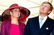 24-6-2014 WARSCHAU - King Willem-Alexander and Queen Maxima arrival at the Maczek monument during their 2 days state visit  to Poland . COPYRIGHT ROBIN UTRECHT