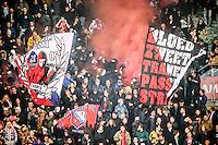 UTRECHT - Utrecht - Roda JC , Voetbal , Eredivisie, Seizoen 2015/2016 , Stadion Galgenwaard , 17-10-2015 , Sfeer in het stadion met vlaggen en rook bij de opkomst