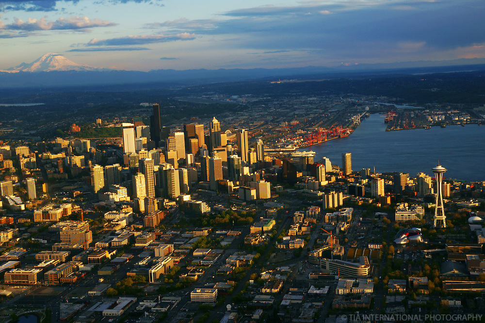 Mount Rainier & City of Seattle
