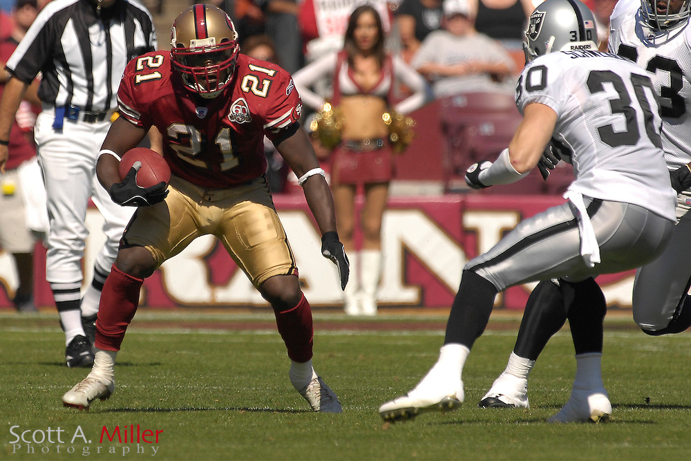 San Francisco 49ers running back Frank Gore (21) during the 49ers game against the Oakland Raiders at Monster Park on Oct. 8, 2006 in San Francisco......©2006 Scott A. Miller