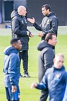 ROTTERDAM - Laatste training voor de Klassieker van Feyenoord , Voetbal , Eredivisie , Seizoen 2016/2017 , Stadion de Kuip , 22-10-2016 , Jan Wouters (l) in gesprek met Feyenoord trainer coach Giovanni van Bronckhorst (r)