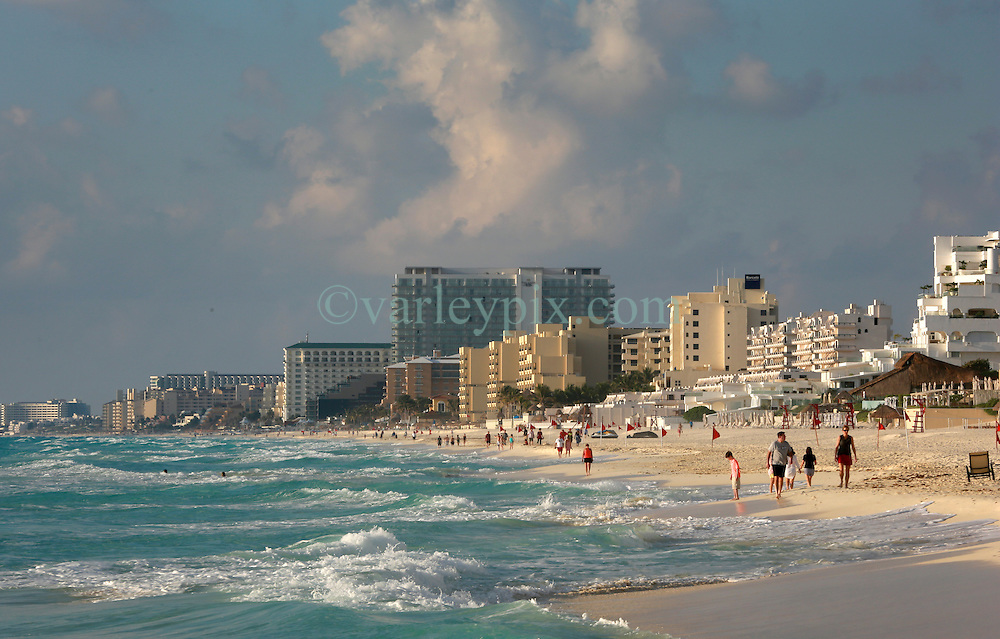 10 Feb 2014. Cancun, Mexico.<br /> The tourist beach at Isla Cancun along the Zona Hotelera on the Carribean Sea. <br /> Photo; Charlie Varley/varleypix.com