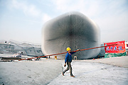 China / Shanghai <br /> Uk Pavillon Construction site at Shanghai Expo 2010<br /> <br /> &copy;Daniele Mattioli For Heatherwick studio