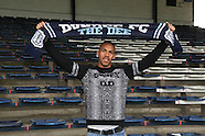 03-05-2014 - Phil Roberts signs for Dundee