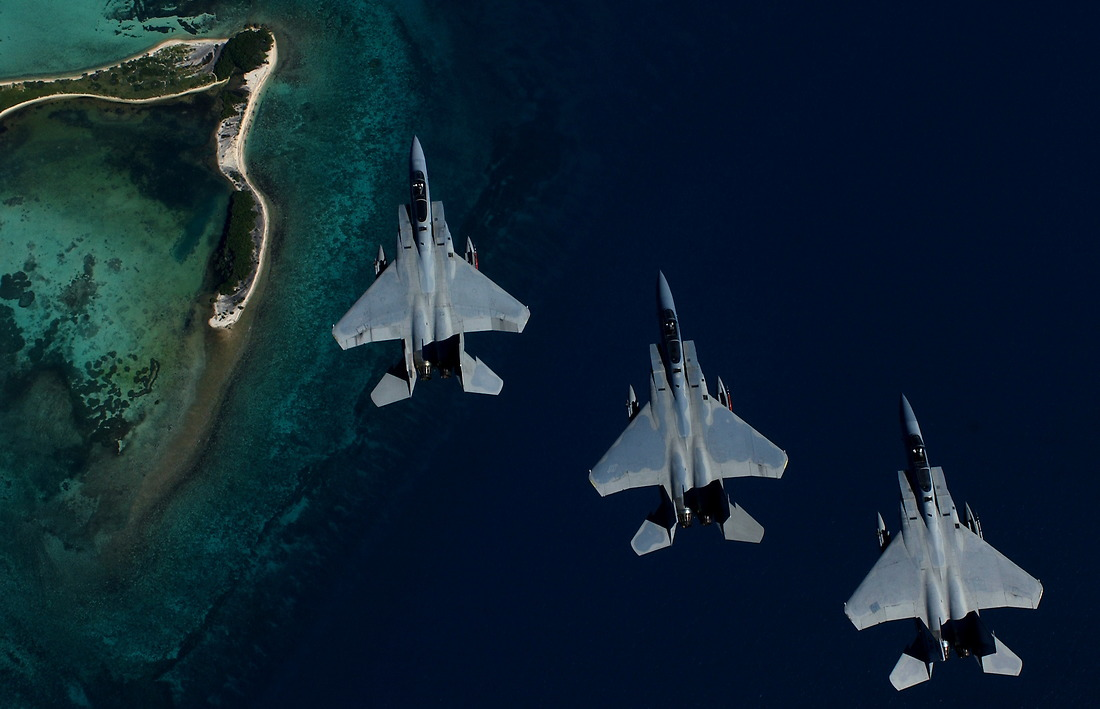 F-15 fighters from the 159th Air National Guard Fighter Wing, Louisiana, fly in formation over Key West, Florida, on October 22, 2002, for Exercise Cope Snapper. — © /