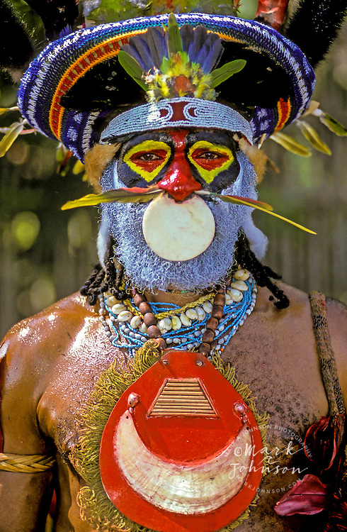 Traditionally dressed man, Mt. Hagen, Western Highlands Province, Papua New Guinea Mt. Hagen Cultural Show,Western Highlands Province, Papua New Guinea