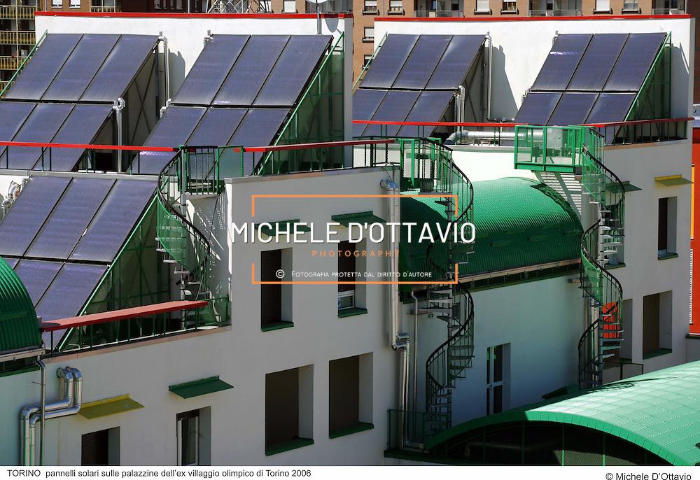 TORINO  pannelli solari sulle palazzine dell?ex villaggio olimpico di Torino 2006. fotografia di  Michele D?Ottavio