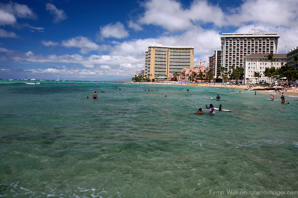 Honolulu; Waikiki; Hawaii; island; Pacific; beach; watr; ocean; sea; waves; surfing; surfer; surf; bay; Oahu; warm; tropical; Hawaiian; USA; activity; sport; vacation;