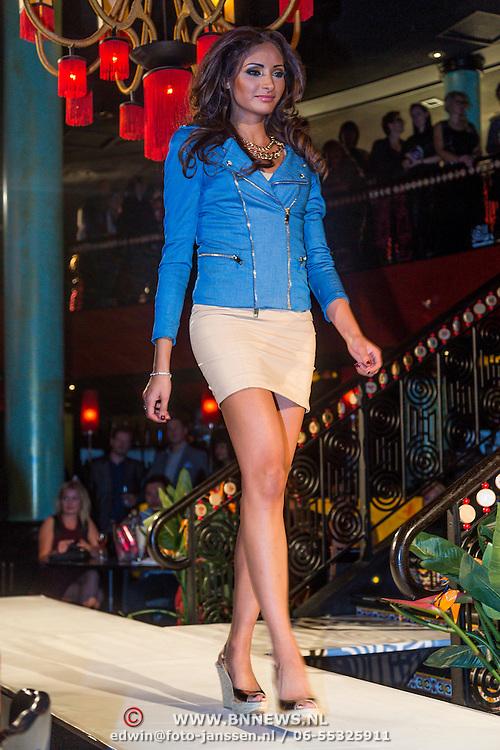 NLD/Amsterdam/20130910 - Lancering PRC kleding collectie, modellen op de catwalk