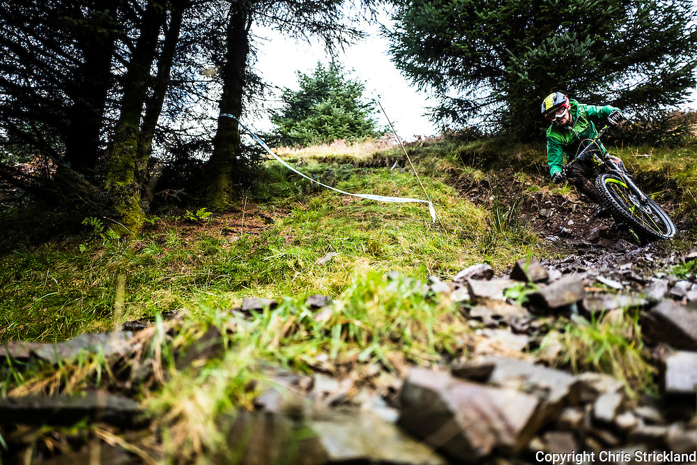 Ae Forest, Dumfries, Dumfries & Galloway, Scotland, UK. 15/16th October 2016. Mountain Bikers compete in the POC Scottish Enduro Series at the 7Stanes Ae Forest trail centre in Dumfries & Galloway.