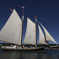 The Taber, the oldest documented sailing vessel in continious service in the United States, offers the possibility to explore the beauties of Maine aboard an Schooner. Each week, from Memorial day thorugh the fall, the boat takes passenger on three to six day sailing trips leaving from Rockland, Maine.<br />