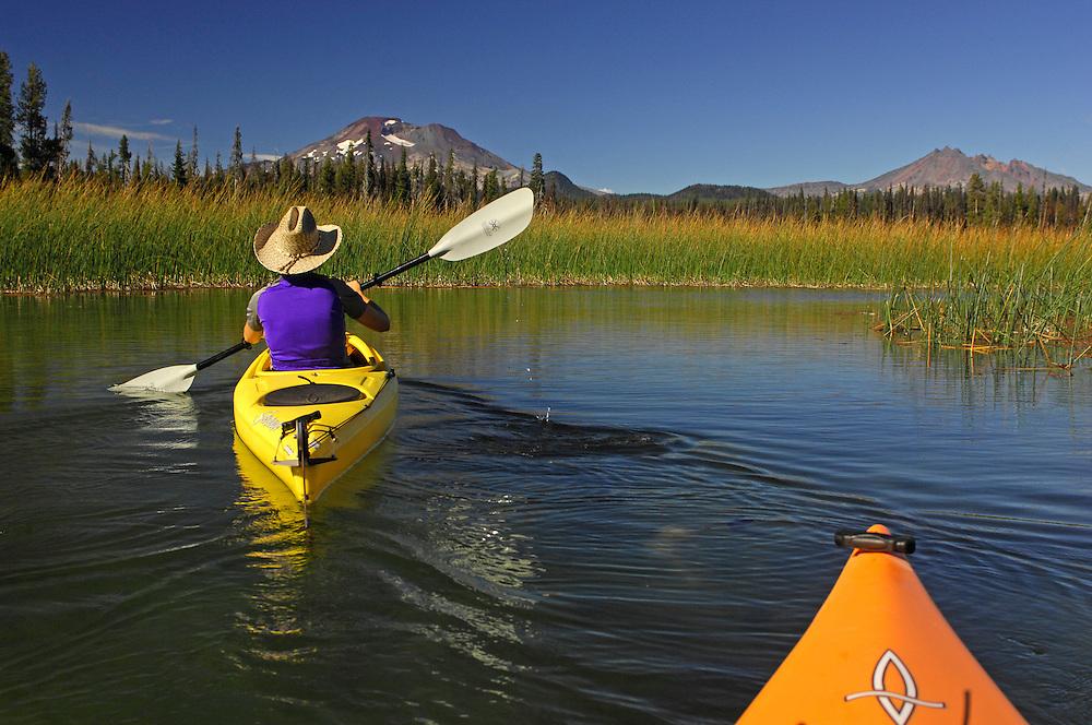Kayaking on Hosmer Lake, South Sister Mountain, Cascade Mountains, Central Oregon, Oregon, USA