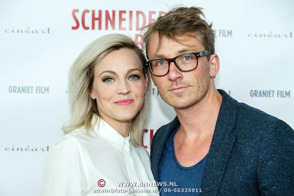 NLD/Amsterdam/20150525 - Premiere Schneider & Bax, actrice Loes Haverkort en partner Floris Verbeij