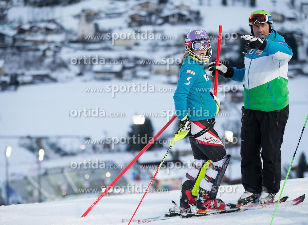 13.01.2015, Hermann Maier Weltcupstrecke, Flachau, AUT, FIS Weltcup Ski Alpin, Flachau, Slalom, Damen, Kursbesichtigung, im Bild v.l. Michaela Kirchgasser (AUT), ÖSV Trainer Stefan Bürgler // Michaela Kirchgasser of Austria and OeSV Coach Stefan Burgler during the course inspection for the ladie's Slalom of the FIS Ski Alpine World Cup at the Hermann Maier Weltcupstrecke in Flachau, Austria on 2015/01/13. EXPA Pictures © 2015, PhotoCredit: EXPA/ JOHANN GRODER