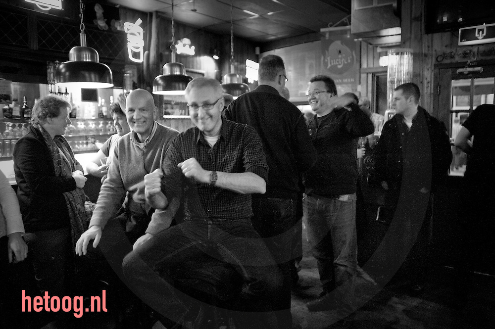 "avondje stappen in Hengelo(o) buffoons in cafe ""de cactus"" & ""ottoboy the onemantrashband"" en ""Joe Buck"" in ""innocent"""
