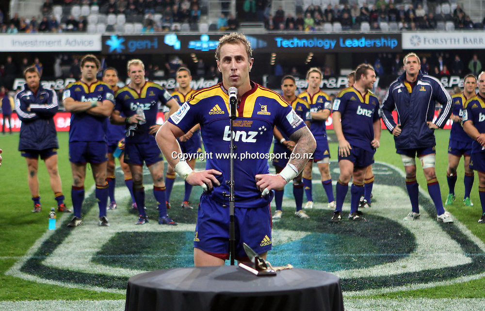 Jimmy Cowan acknowledges the crowd in his 100th match for the Highlanders.<br /> Investec Super Rugby - Highlanders v Stormers, 7 April 2012, Forsyth Barr Stadium, Dunedin, New Zealand.<br /> Photo: Rob Jefferies / photosport.co.nz