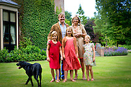 WASSENAAR - 9-07-2013 Wassenaar Queen Maxima and King Willem-Alexander and Princess Amalia and Princess Alexia and Princess Ariane and dog Skipper pose for the annual photosession at the Eikenhorst on the Horsten estate in Wassenaar. (Photo by Robin Utrecht / Sipa USA)