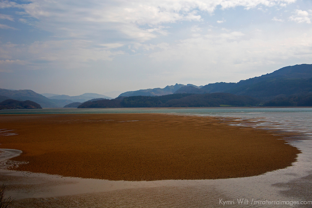 Europe, Great Britain, Wales, Gwynedd. Barmouth Estuary on the River Mawddach.