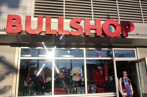 Bulls clothing store. Women clothing stores