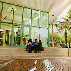 Students on the steps of the UM School of Business Administration