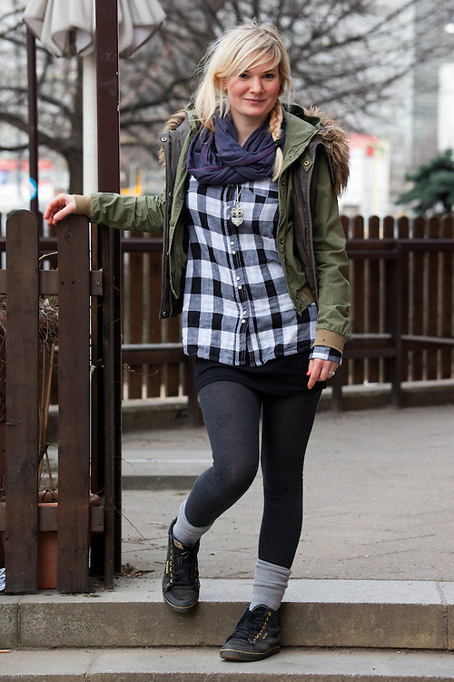 Germany - Deutschland - BERLIN STREET STYLE, Fashion; HERE: Pia Mikeska, 22; 11.03.2011; © Christian Jungeblodt