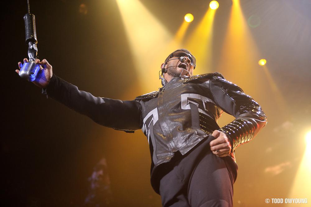 Usher Omg Tour