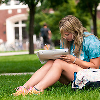 Student, Studying, Campus Scene, Meg West, Environmental Biology, Sophomore, Fall Semester, Back to School, Photo by Everett Smith