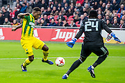 AMSTERDAM - Ajax - ADO , Voetbal , Eredivisie , Seizoen 2016/2017 , Amsterdam ArenA , 29-01-2017 ,  ADO Den Haag speler Ruben Schaken (l) in duel met Ajax keeper Andre Onana (r)