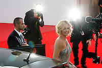 ©Stefano Meluni/Lapresse.29/08/2008 Venezia,Italia.Spettacolo.65 Mostra Internazionale d'Arte Cinematografica.Red carpet del film 'The burning plain'.Nella foto:Charlize Theron..©Stefano Meluni/Lapresse.29/08/2008 Venice,Italy.Entertainment.65th Venice Internationl Cinema exhibition.Red carpet of the movie 'The burning plain'.In the photo:Charlize Theron