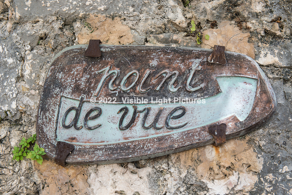 Follow this sign for a scenic overlook atop St. Paul-de-Vence.