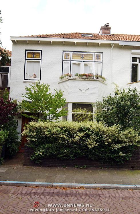 Woning moeder Anouk Teeuwe moet haar huis uit van haar dochter Da Costaplein 43 Voorburg,