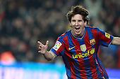 Messi shines against Valencia