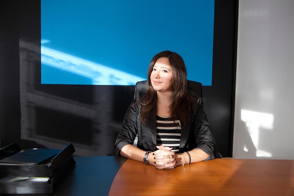créatrice d'entreprise - sabrina gomes directrice de l'agence immobilia