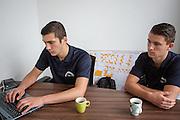 Wouter Horstink (links) en Timo Westerhoff werken aan de administratie. In Leusden zorgen studenten van de ROC A12 opleiding Veiligheid & Toezicht als stagiair voor toezicht en handhaving in het winkelcentrum De Biezenkamp. De ondernemers in het winkelcentrum bepalen welke taken de studenten krijgen, de politie en een buitengewoon opsporingsambtenaar begeleiden de studenten.